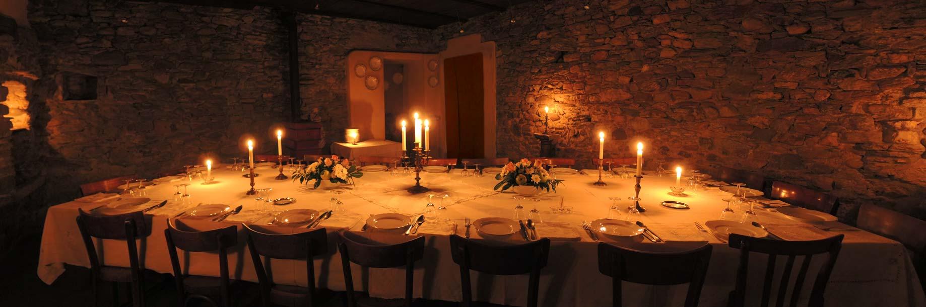 panoramica-tavolata-cena-900